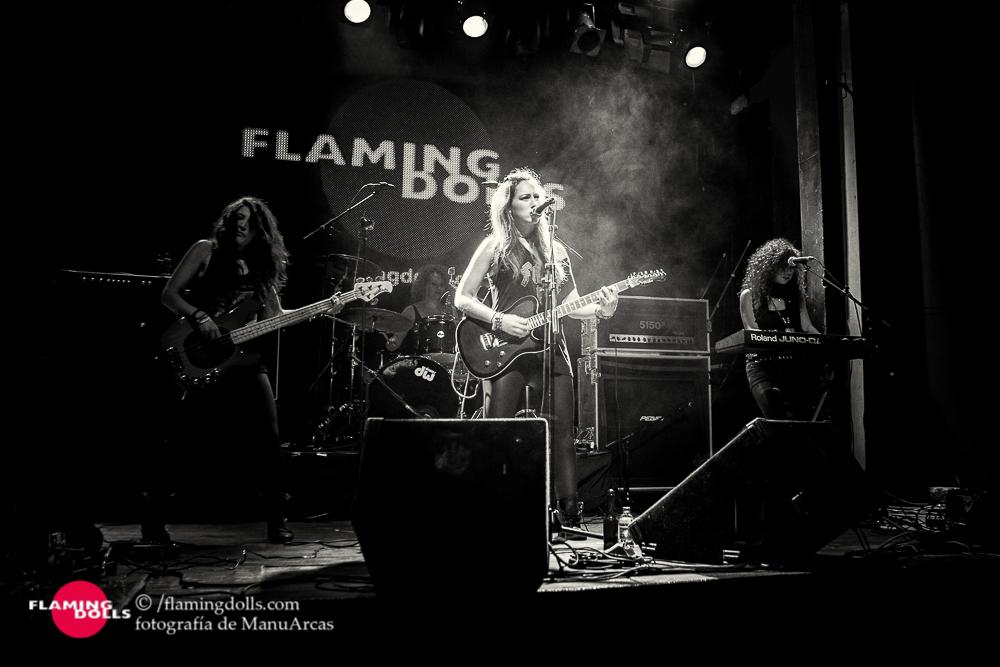 FlamingDollsSalaArena44