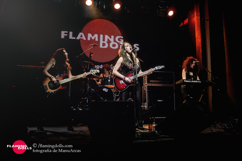 FlamingDollsSalaArena45